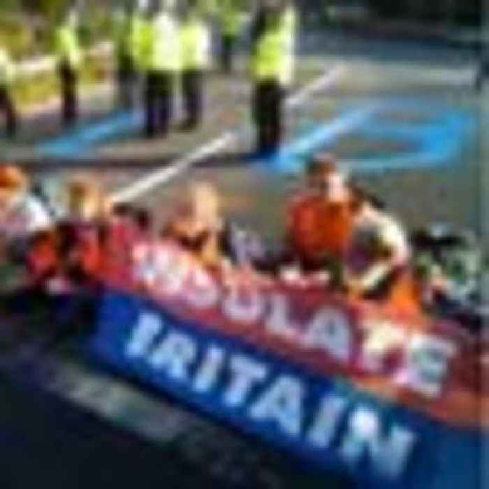 Protesters block M25 for the third time this week as police make swift arrests
