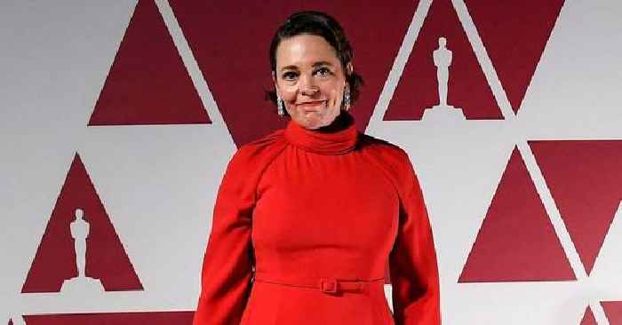 'The Crown' Actress Olivia Colman Gives Tearful Emmy Acceptance Speech, Says Her Father Died 'During Covid'