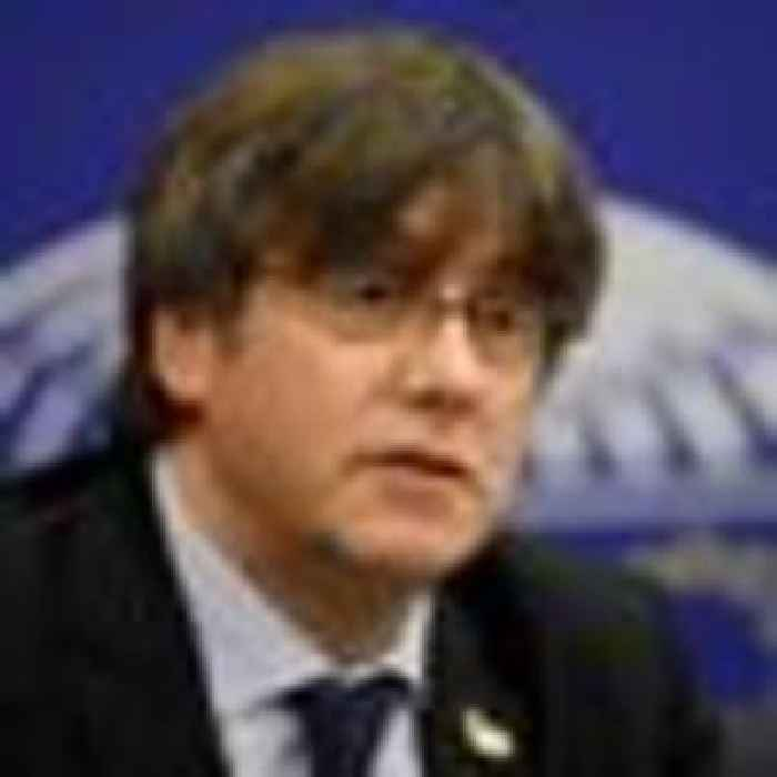 Former Catalan independence leader Carles Puigdemont arrested in Italy
