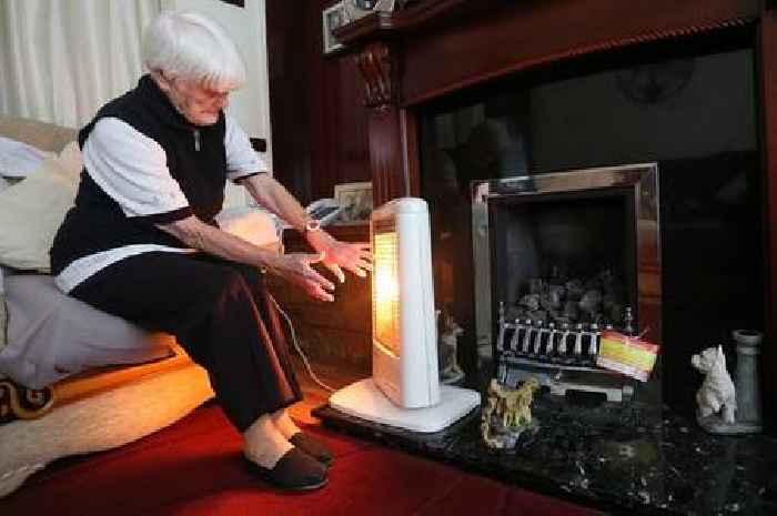 Labour's Anas Sarwar demands £70 top-up to pensioners' winter fuel payment