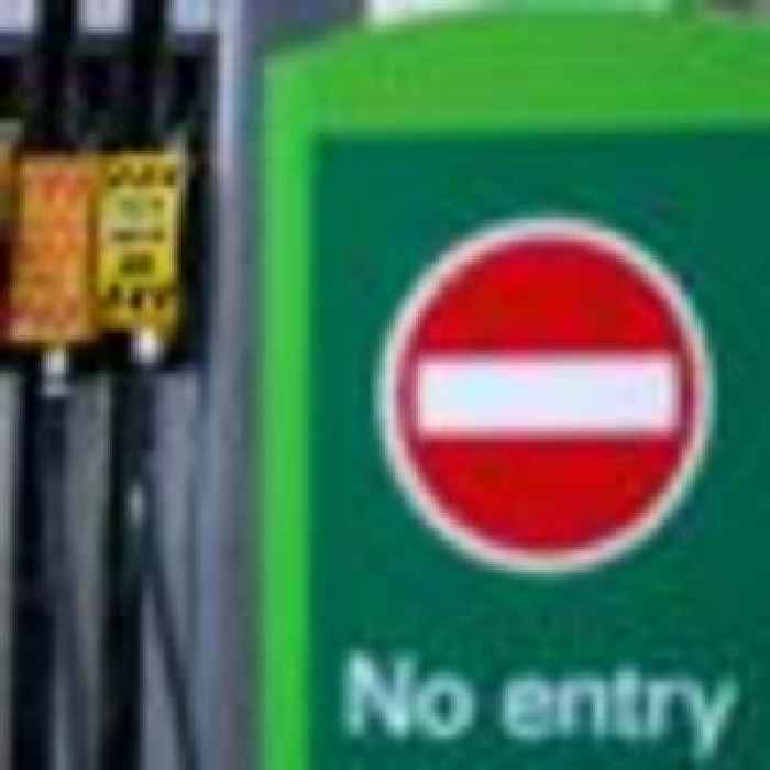 Army 'stand ready' to help with fuel crisis, says defence secretary