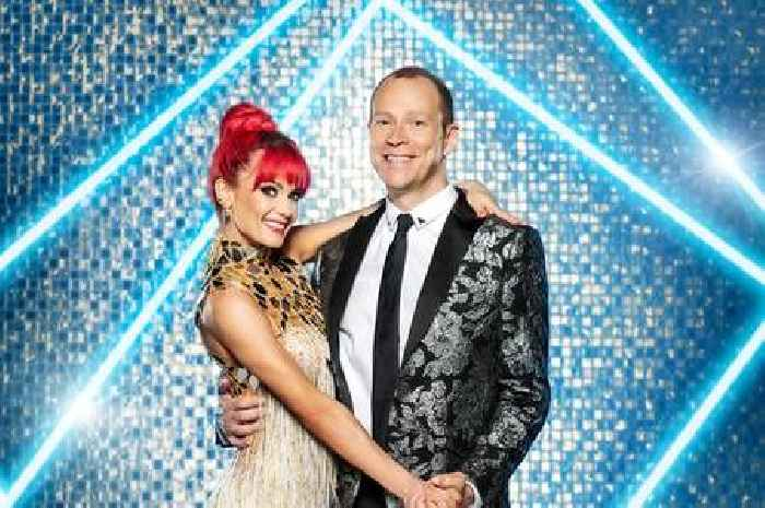Strictly's Robert Webb 'extremely sorry' as he decides to quit due to 'ill health'