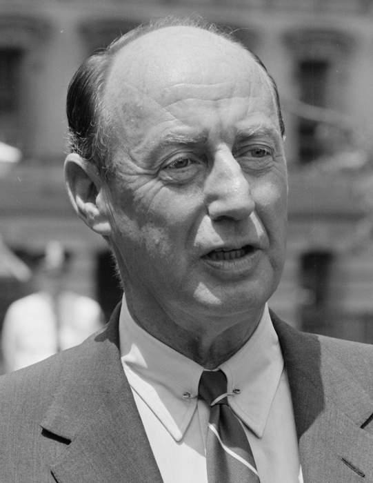 Adlai E. Stevenson 3d, Ex-Senator and Scion of Formidable Political Family, Dies at 90