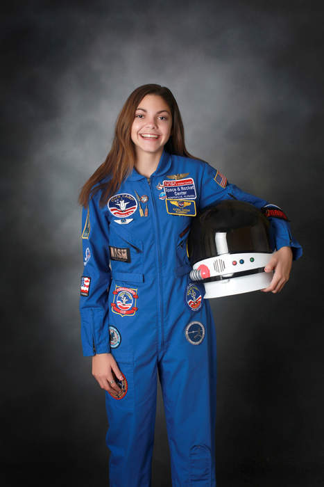 Space enthusiast uses TikTok to teach others about the moon, Mars, and beyond