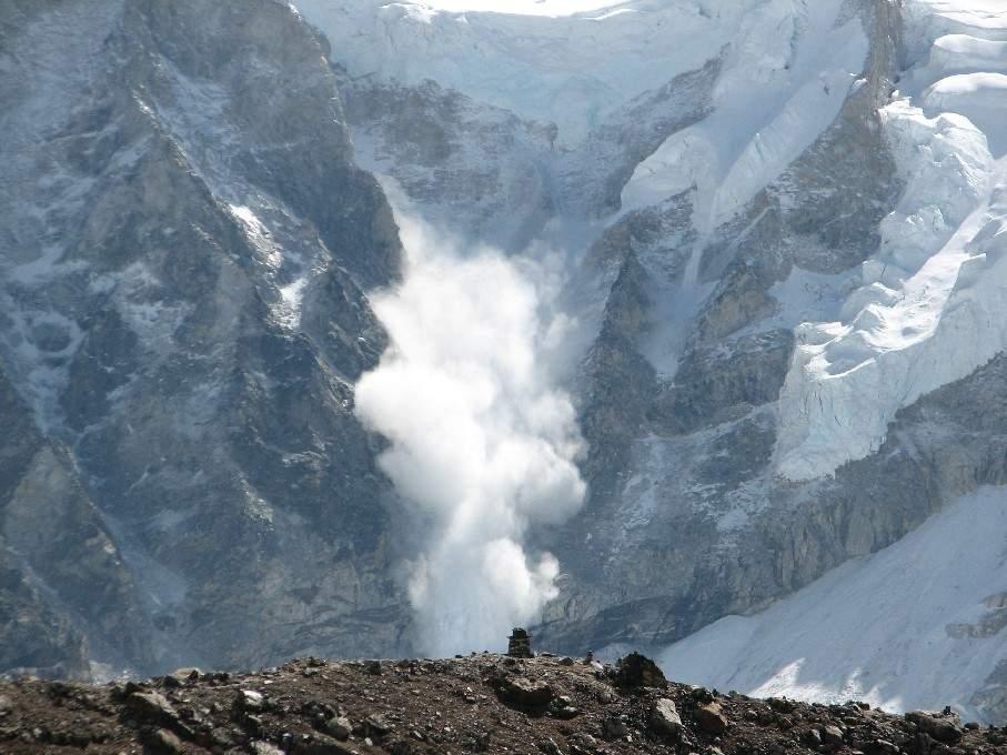Avalanche on Svalbard Arctic archipelago kills two Germans