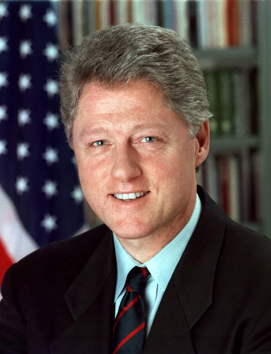 Kosovo Albanians welcome Clinton, Albright 20 years after NATO intervention