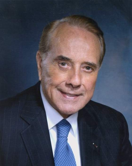 Bob Dole Has Advanced Lung Cancer, He Says in Statement
