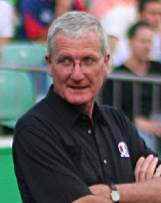 Bob Willis: Former England cricket captain dies aged 70