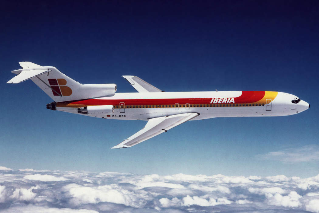 Boeing 727 transforms from cargo plane to classroom