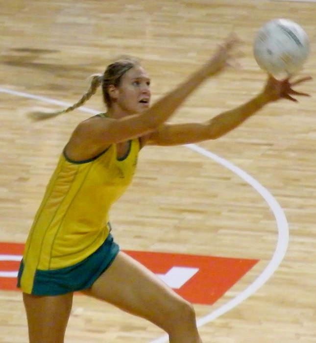 Bassett confirms return to Australia as retirement call looms