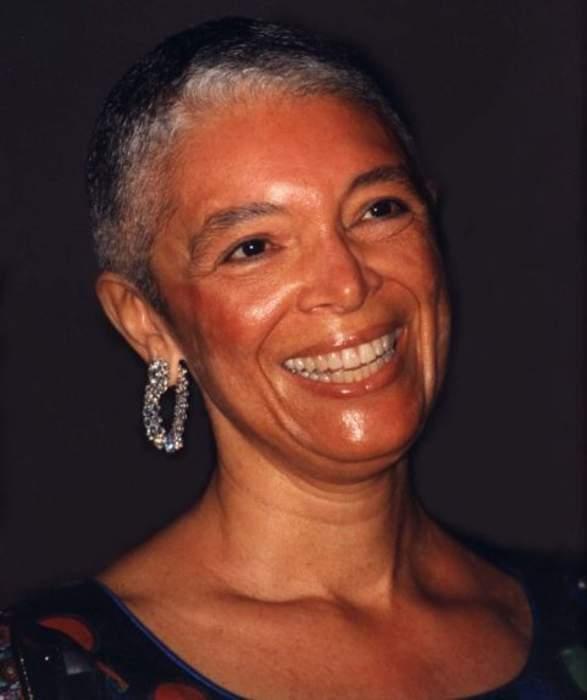 Bill Cosby's wife to testify in defamation lawsuit