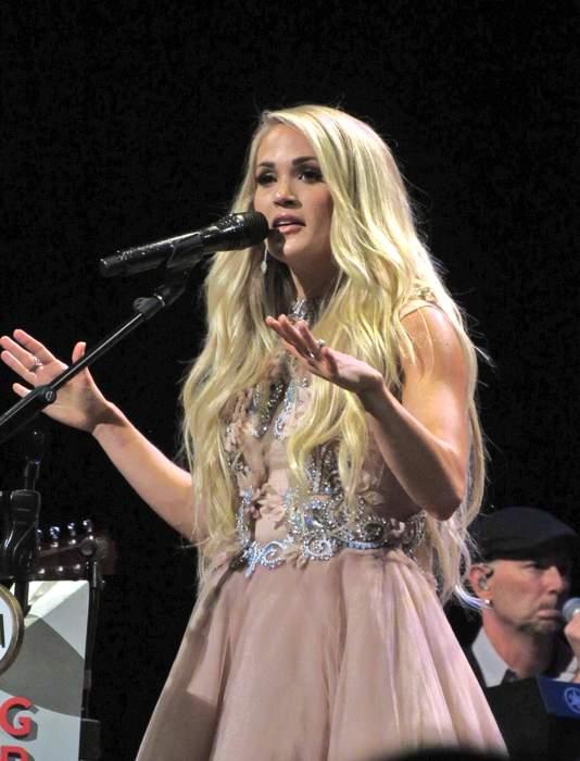 Stars celebrate Thanksgiving: Carrie Underwood, John Legend, Nicki Minaj, Justin Bieber and more