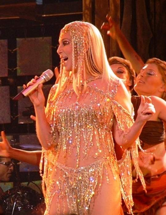 Cher calls on Britney Spears' father to stand down from conservator role