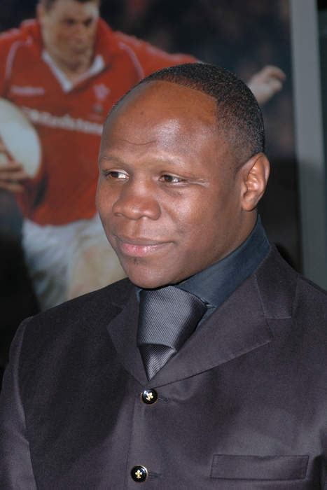 Chris Eubank: Former world champion boxer has bag snatched in west London