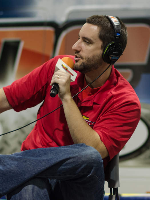 Clay Travis talks 'absurdity' of masks as Tennessee school board votes to require them