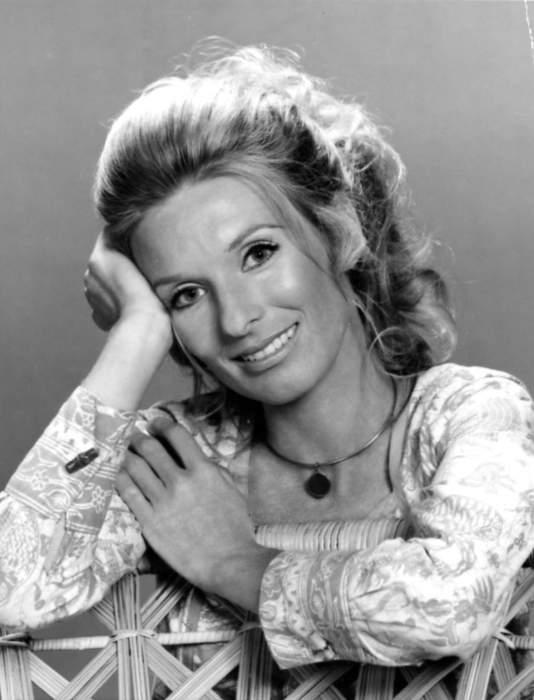 Cloris Leachman, Oscar winner and TV comedy star, dies at 94