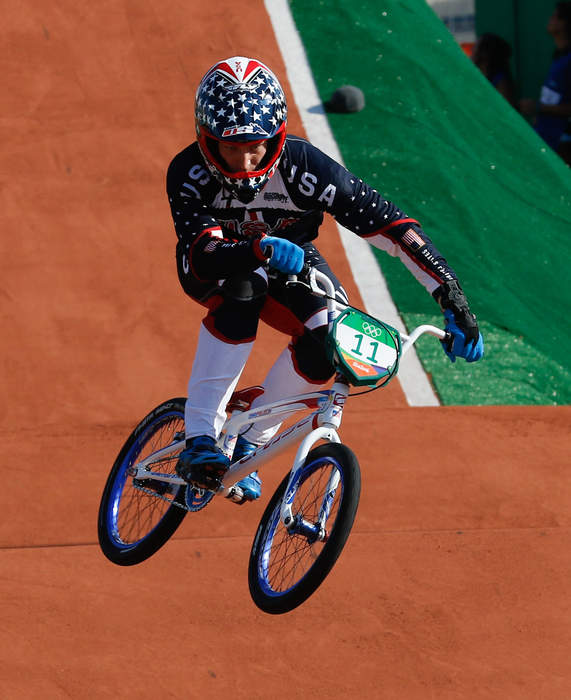 BMX racer Connor Fields has broken rib, bruised lung, CT scans after crash, father says