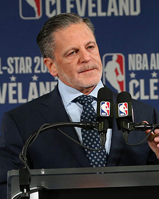 Dan Gilbert shares recovery journey, announces $500 million investment in Detroit