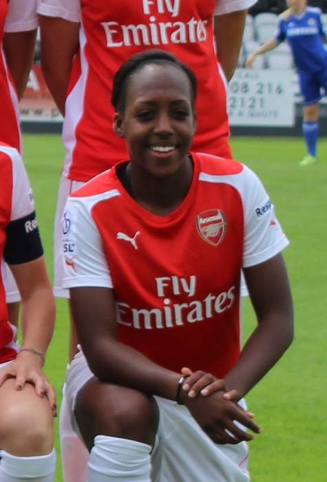 Danielle Carter: Brighton sign Reading's England striker for undisclosed fee