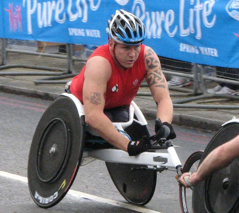 London Marathon 2021: David Weir says Marcel Hug's 'Ferrari' chair gives him an edge
