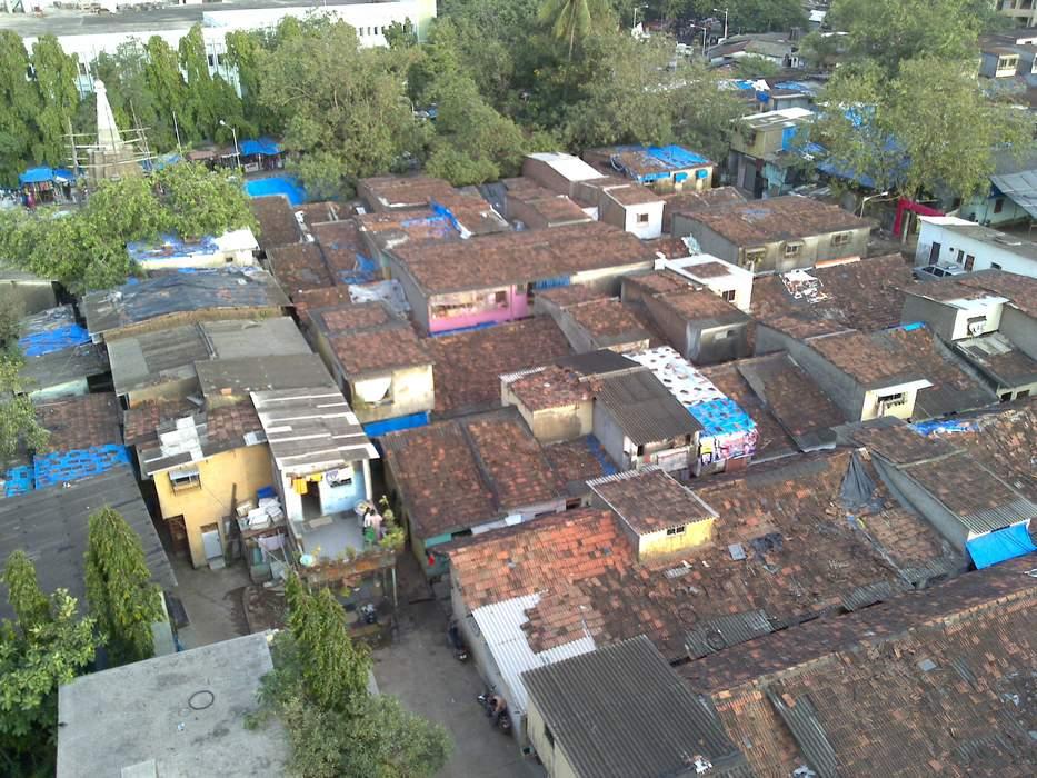 Life under lockdown in India's massive Dharavi slum