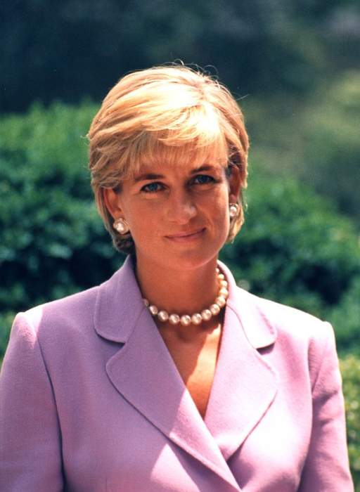 Kristen Stewart on Set as Princess Diana for 'Spencer' Film