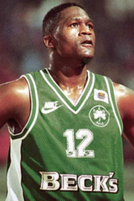 Basketball Legend Dominique Wilkins Accuses Restaurant of Racism