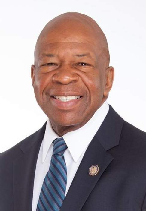 Elijah Cummings commends charges against Baltimore officers, urges patience