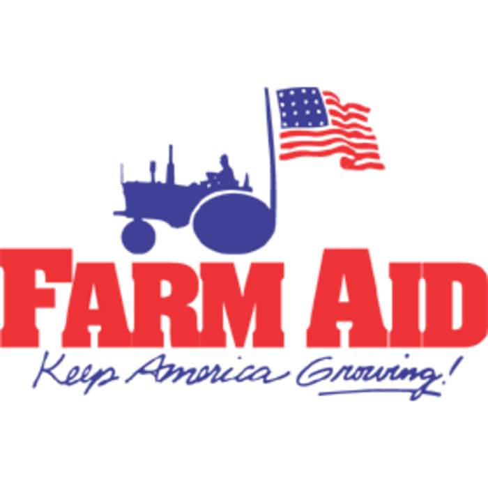 Farm Aid 2019: Willie Nelson, Dave Matthews, Luke Combs turn out in the rain for family farmers