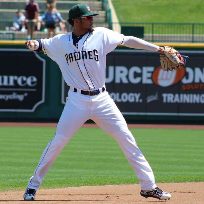 Fernando Tatis Jr. leaves San Diego Padres' game vs. San Francisco Giants with apparent left arm injury