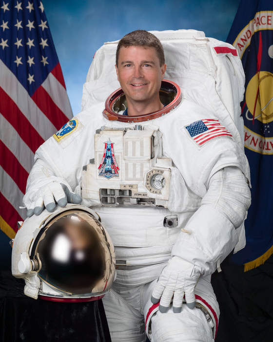 Tweeting astronaut on life in the Space Station