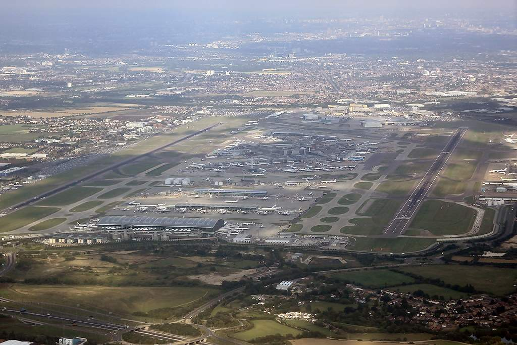 Heathrow says airport queues are becoming 'untenable'