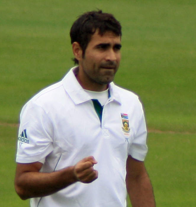 News24.com   Faf in the runs again, Tahir rolls back the years to fly SA flag at IPL