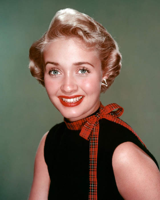 Jane Powell, MGM musical star of 'Seven Brides for Seven Brothers,' 'Royal Wedding,' dead at 92