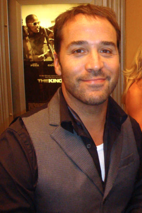 Jeremy Piven Goes To Bat For Julian Edelman, He's A 1st Ballot Hall Of Famer!