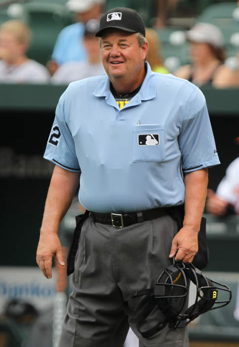 Umpire Joe West is awarded $500,000 in defamation lawsuit against former player Paul Lo Duca