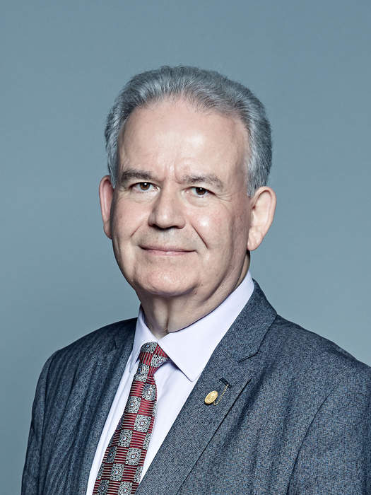 Julian Lewis loses Tory whip after beating Chris Grayling to intelligence committee chairmanship