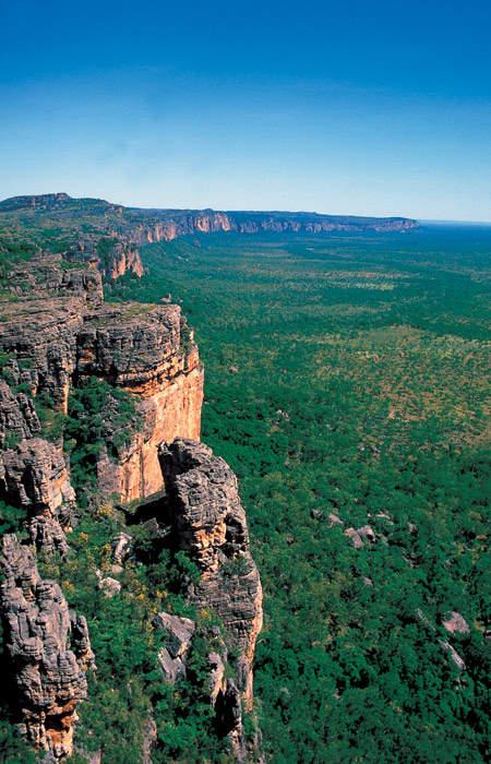 Five killed in car crash in NT's Kakadu National Park