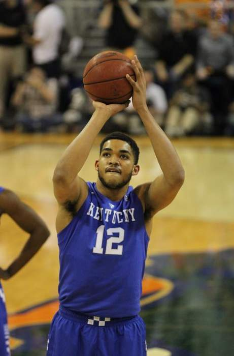 Karl-Anthony Towns Gets COVID Vaccine One Year After Mom's Death