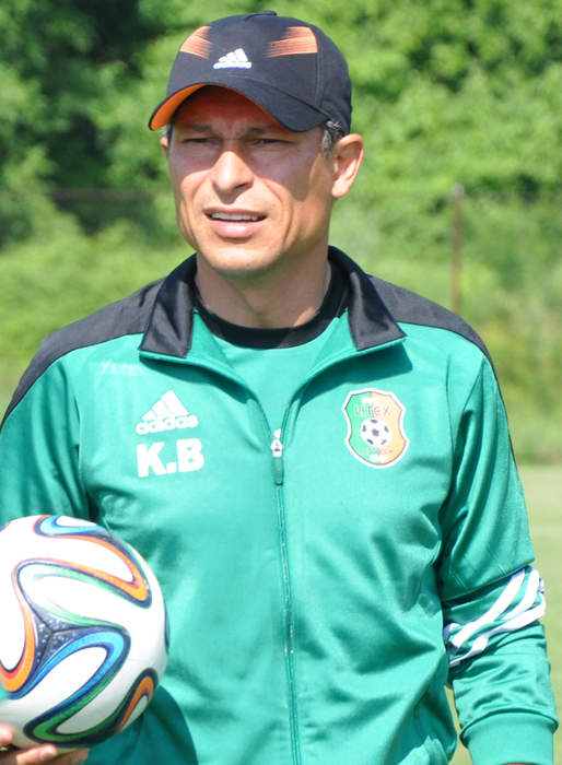 Bulgaria coach apologizes to England over racist chants