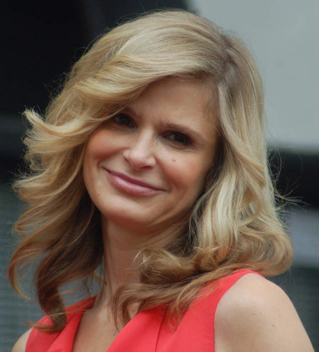 Kyra Sedgwick seemingly jabs ABC over 'Call Your Mother' cancelation
