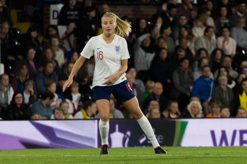Leah Williamson: England centre-back signs new Arsenal deal