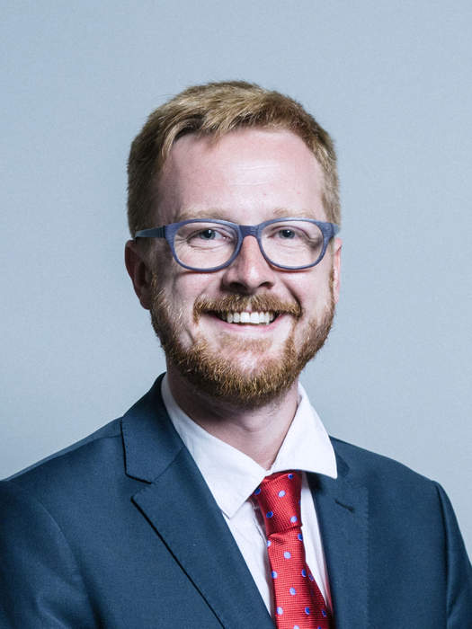 Lloyd Russell-Moyle: Labour MP resigns from frontbench amid JK Rowling trans row and Israel comments