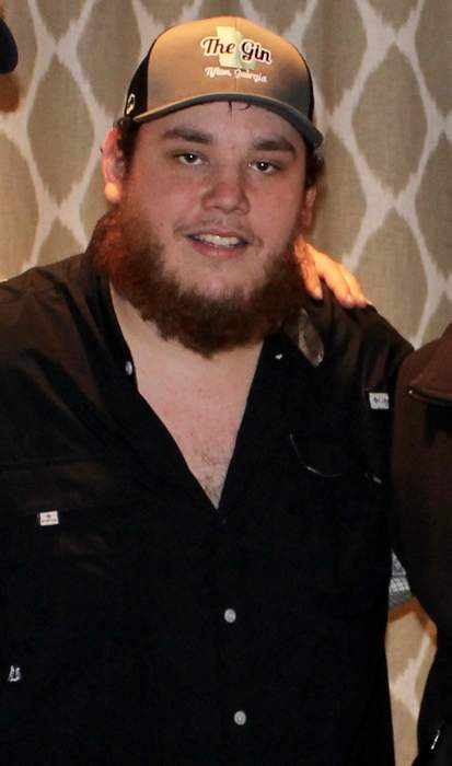 Country star Luke Combs apologizes for past use of Confederate flag imagery: 'There's no excuse'