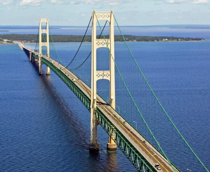 Mackinac Bridge north of Detroit closes after report of bomb threat, officials say; reopens after 3 hours