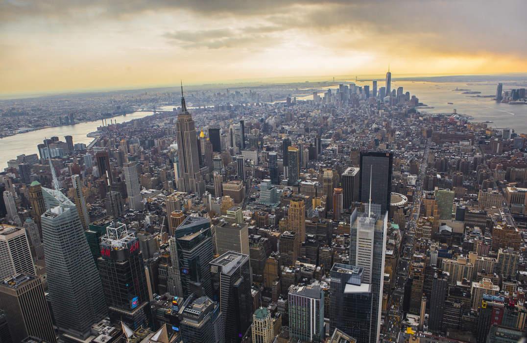 Wind spins crane high above Manhattan