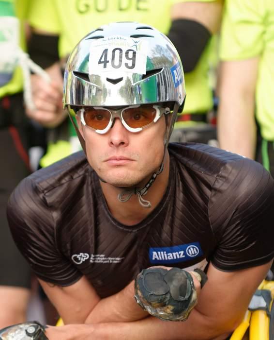 London Marathon 2021: Marcel Hug & Manuela Schar win wheelchair titles in record times