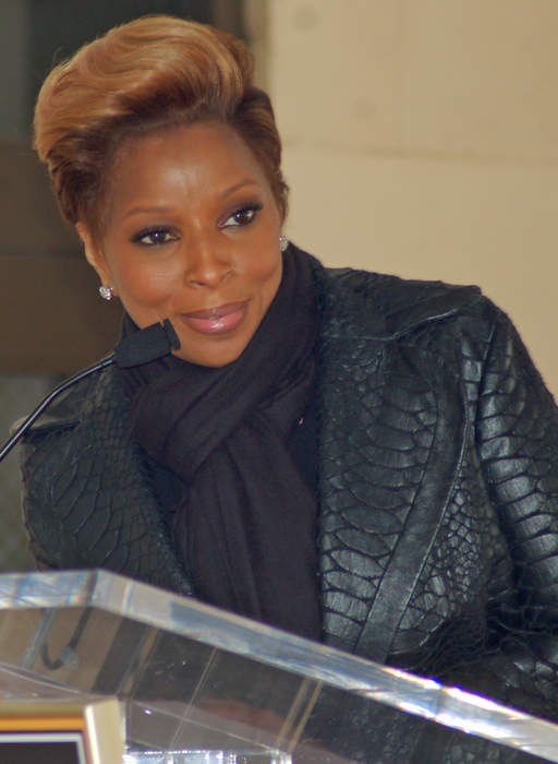 Mary J. Blige receives Lifetime Achievement award at BETs