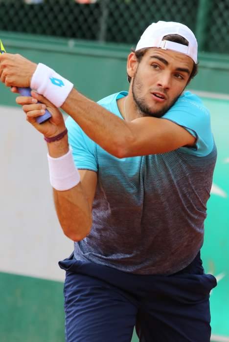 Queen's: Andy Murray loses to Matteo Berrettini, Dan Evans wins