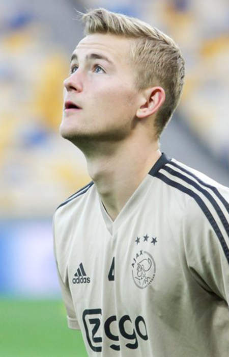 Euro 2020: Netherlands defender Matthijs de Ligt sent off for deliberate handball